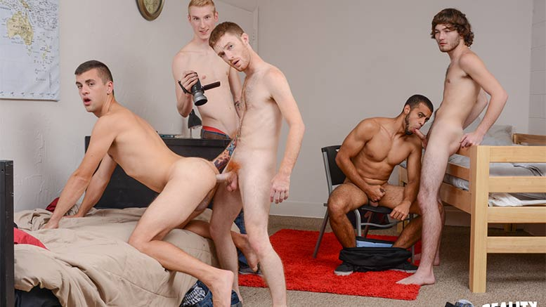 dick dorm gay porn Jan 2017  Dick Dorm offers horny college guys experimenting with gay sex in their dorm  rooms.