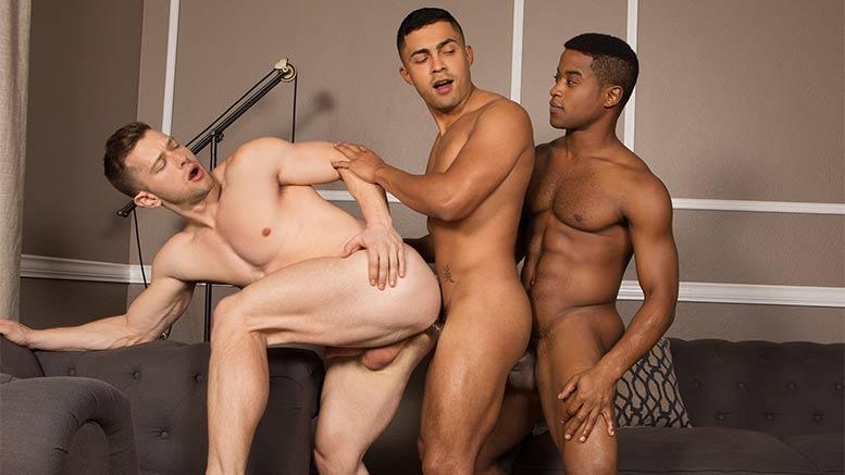 hot gay latino muscle hunks fucking in bathroom stalls