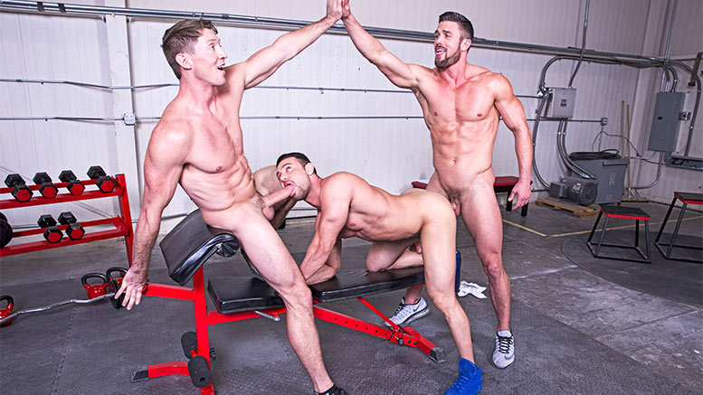 Cheerleader gym gay nude girl
